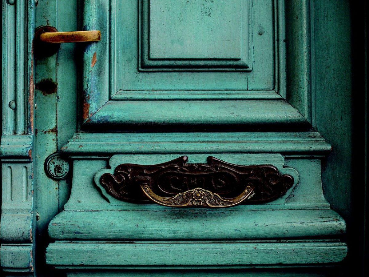 old door, mail letters, door cancel